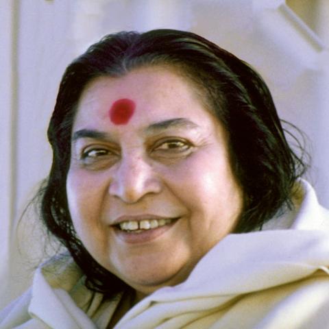 Shri Mataji, <br>Fondatrice di Sahaja Yoga.